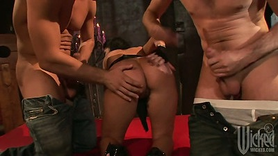 Nice ass slut gets fingered and sucks penis Britney Stevens